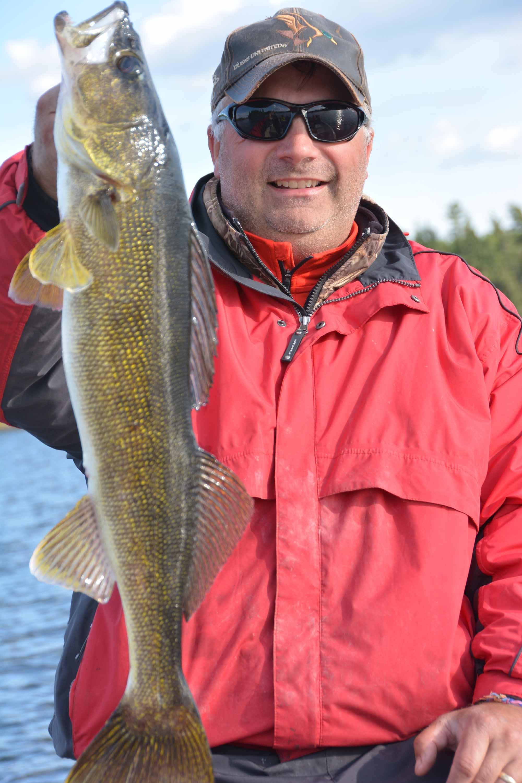 Walleye fishing on LOW!